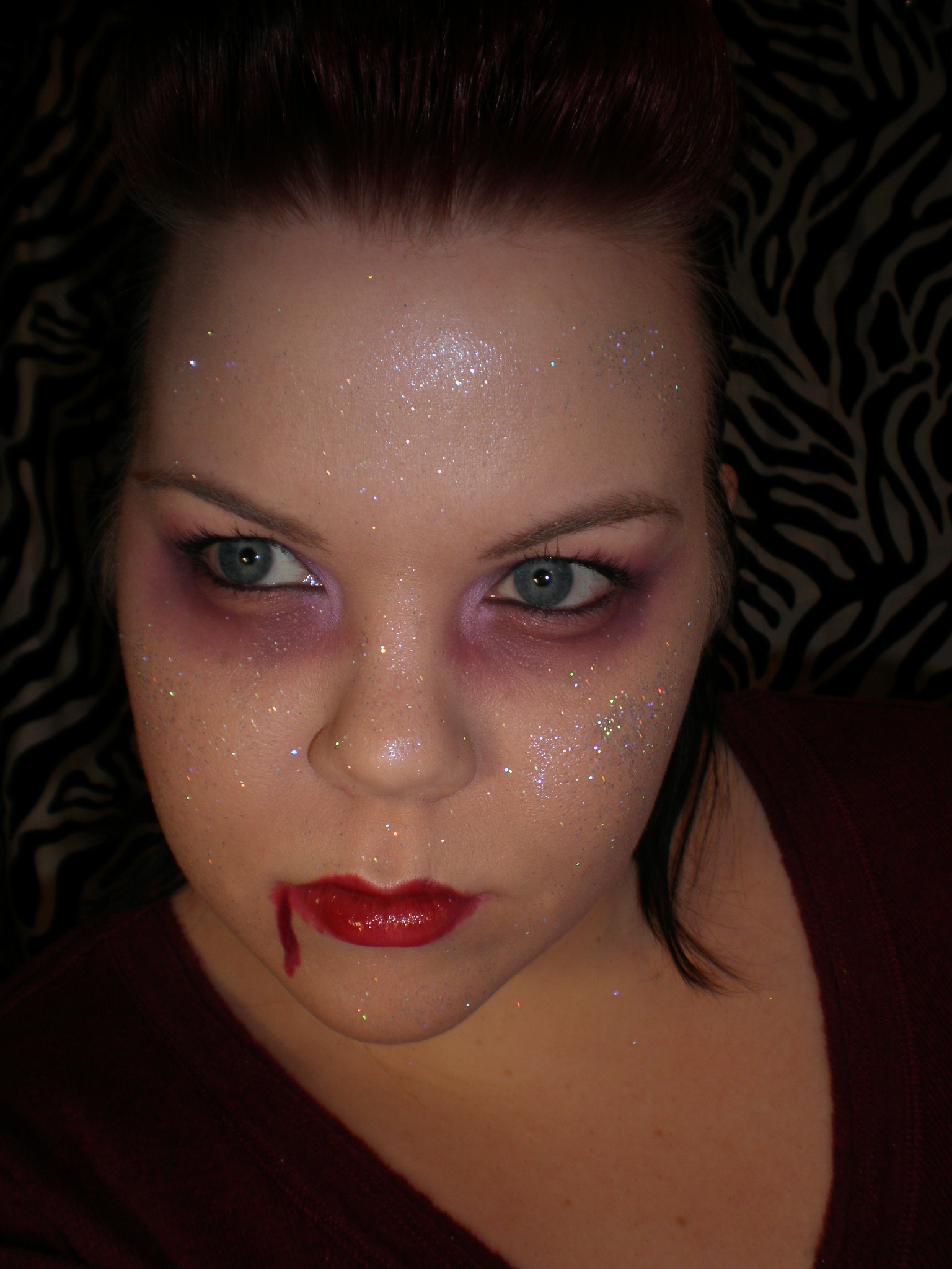 Twilight Vampire Easy and funny Halloween makeup - Classic Halloween Makeup